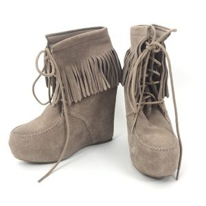Steve Madden Size 8M Armory Fringed Wedge Boots